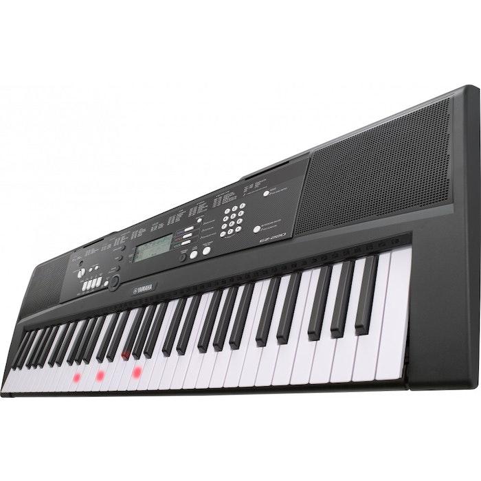 Yamaha EZ-220 B keyboard