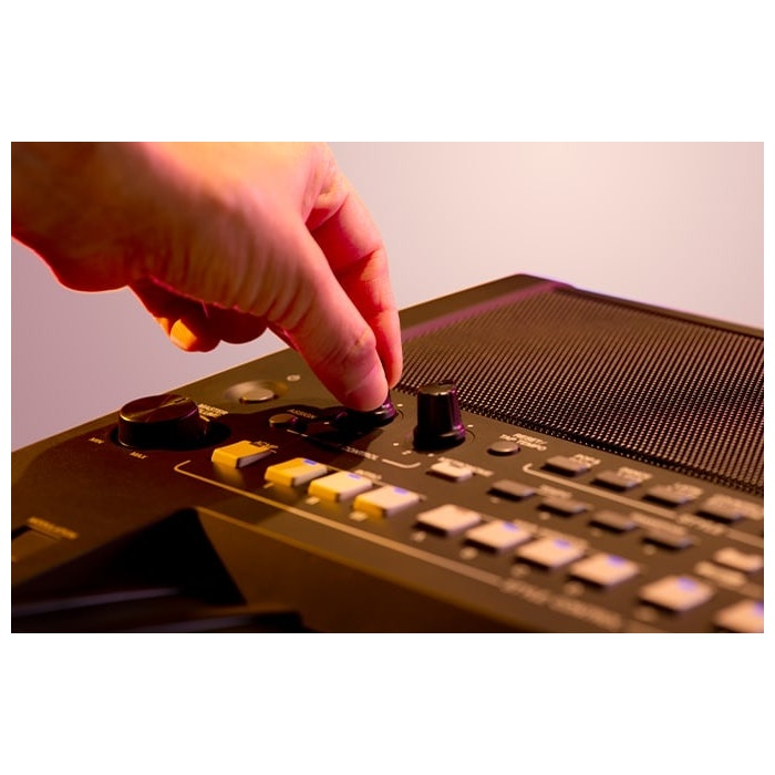 Yamaha PSR-SX600 B keyboard